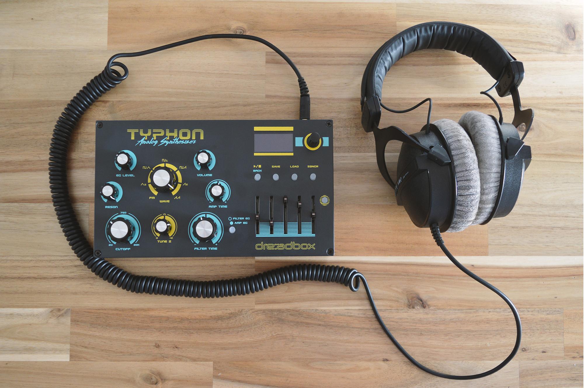 https://www.dreadbox-fx.com/wp-content/uploads/2021/01/typhon_headphones.jpg?fbclid=IwAR0PLIBH3I1Jnu3HBqWrVx3f285ycKoFy6hbscbL8H-rzDl1wJBMTL4HBIM